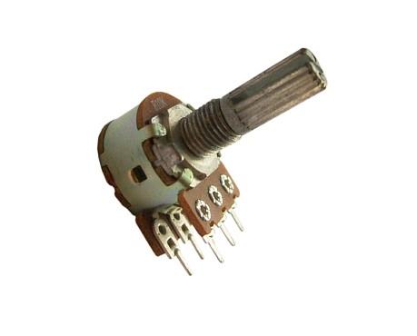 Переменный резистор 10кОм.