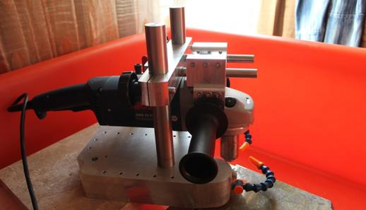 Картинка № 9. Такой самодельный торцовочный станок подходит для обработки плит из гранита и мрамора